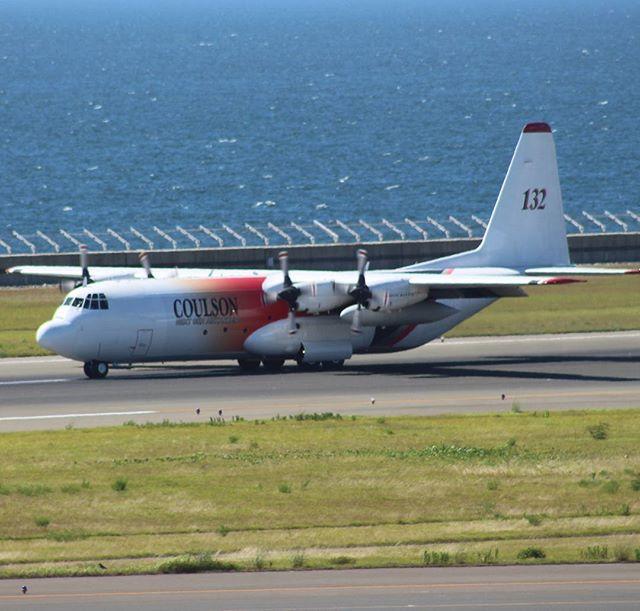 L-100 aircraft
